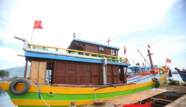 """""""Ngán"""" tàu vỏ thép, ngư dân quay lại với tàu vỏ gỗ?"""