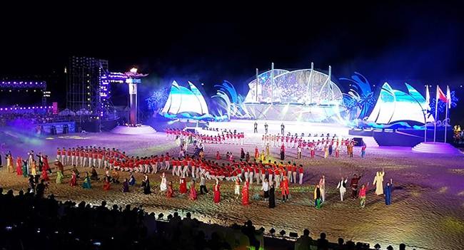 Sau 10 ngày tranh tài quyết liệt, tối ngày 3/10, Đại hội Thể thao bãi biển châu Á 2016 (ABG 5) chính thức khép lại sau Lễ bế mạc được tổ chức tại Công viên Biển Đông (Đà Nẵng)
