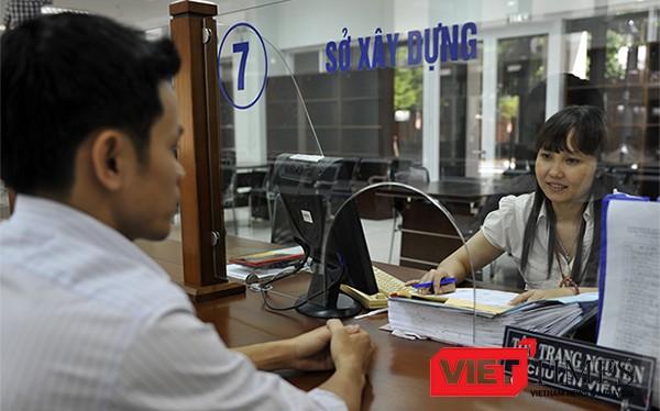 Khảo sát năm 2015 có 98,76% người hài lòng và rất hài lòng với dịch vụ hành chính công tại Đà Nẵng, và đến 96% đánh giá tốt và rất tốt cho công chức tiếp nhận và trả kết quả.