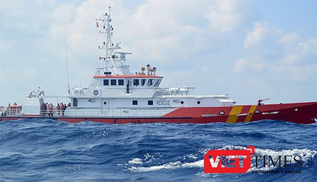 Tàu SAR 412 đang làm nhiệm vụ cứu nạn ngoài biển