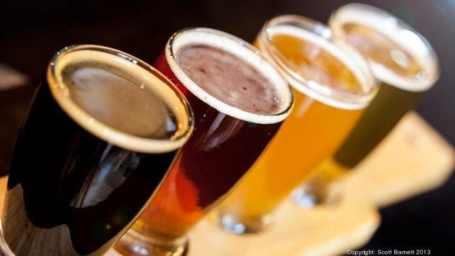 Các nhà khoa học tại đại học Colorado-Boulder (UCB) đã tìm ra cách sử dụng chất thải từ quá trình nấu bia để tổng hợp các chất hoá học để tạo ra pin lithium-ion.