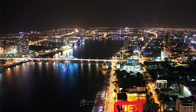UBND TP Đà Nẵng vừa thống nhất thực hiện thí điểm thay thế khoảng 5% số lượng đèn chiếu sáng công cộng đang sử dụng sang đèn LED.