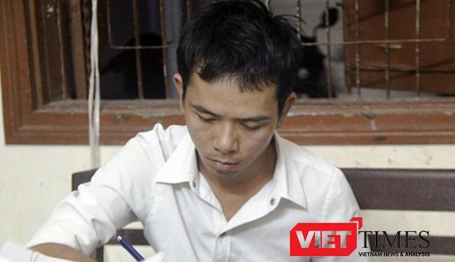 Đối tượng Nguyễn Văn Sỹ tại cơ quan công an