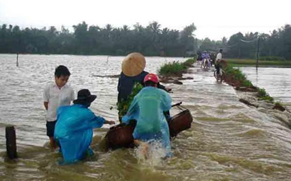 Do ảnh hưởng của không khí lạnh tăng cường xuống phía Nam nên các tỉnh miền Trung có thể xảy ra lũ quét, nước trên sông các tỉnh Bắc Trung Bộ có khả năng lên trở lại.