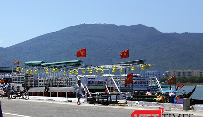 Từ ngày 1/11/2016, UBND TP Đà Nẵng cấp phép mới đối với tàu du lịch có sức chở dưới 50 khách, riêng các tàu đã cấp phép để hoạt động sẽ được hoạt động đến hết ngày 31/12/2017.