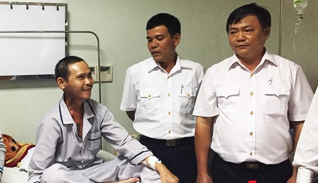 Nụ cười hiếm hoi của người cựu binh Gạc Ma Dương Văn Dũng khi được bên đồng đội