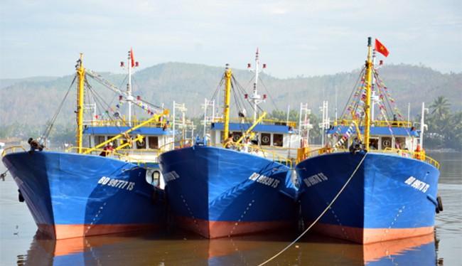 Tàu cá vỏ thép BĐ 99939 TS, một trong 3 chiếc tàu cá vỏ thép đầu tiên của ngư dân Bình Định đã bị sóng đánh đắm ngoài khơi sau gần 2 tháng bàn giao