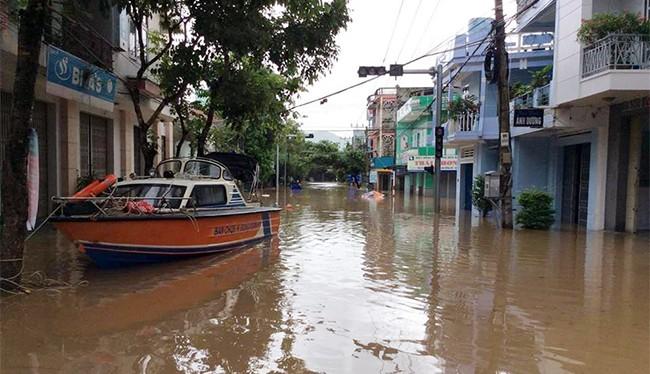 Lũ gây thiệt hại nặng nề, Phú Yên đề nghị cấp 1.100 tấn gạo cứu đói