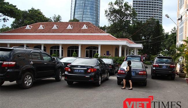 Đà Nẵng tạm dừng mua sắm ô tô, tài sản đắt tiền