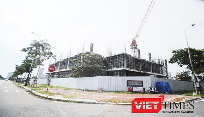 Công trình Khu phức hợp trung tâm thương mại (TTTM) và căn hộ cao cấp do Công ty Cổ phần địa ốc Vũ Châu Long trên đường Như Nguyệt (phường Thuận Phước, quận Hải Châu, TP Đà Nẵng) xây dựng chưa có giấy phép