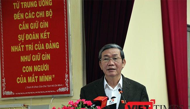 Ông Đình Thế Huynh, Thường trực Ban bí thư tại buổi tiếp xúc cử tri, báo cáo kết quả Kỳ họp thứ 2, Quốc hội khoá XIV của đoàn Đại biểu Quốc hội Đà Nẵng với cử tri quận Hải Châu