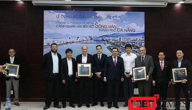 Sáng 3/12, UBND TP Đà Nẵng đã chính thức công bố và trao giải cho Cuộc thi Ý tưởng quy hoạch và thiết kế cảnh quan hai bên bờ sông Hàn.