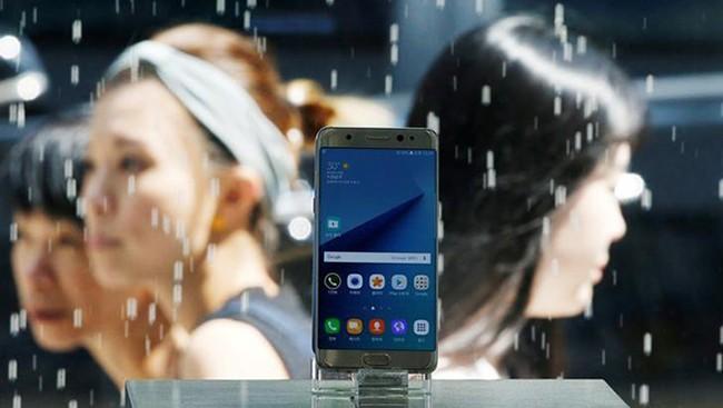 Thảm họa đối với Galaxy Note 7 xuất phát từ thiết kế pin trên sản phẩm ẢNH: REUTERS