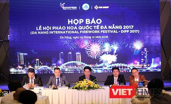 Sáng 5/12, UBND TP Đà Nẵng và đơn vị tổ chức là Tập đoàn Sun Group đã tổ chức Hop báo công bố chính thức Lễ hội pháo hoa quốc tế Đà Nẵng 2017-DIFF 2017