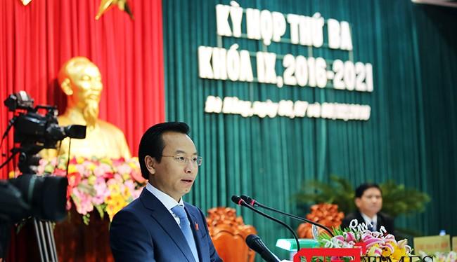 Bí thư Thành ủy, Chủ tịch HĐND thành phố Nguyễn Xuân Anh phát biểu tại Kỳ họp