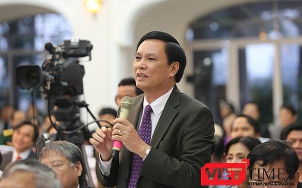 ông Trần Văn Miên, Phó Chủ tịch UBND TP Đà Nẵng trả lời chất vấn của Chủ tịch HĐND TP Đà Nẵng Nguyễn Xuân Anh