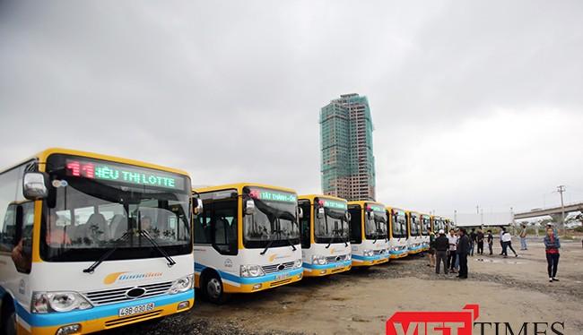 Sáng 10/12, Sở GTVT Đà Nẵng đã chính thức đưa 5 tuyến xe buýt trợ giá và miễn phí vào hoạt động phục vụ người dân.
