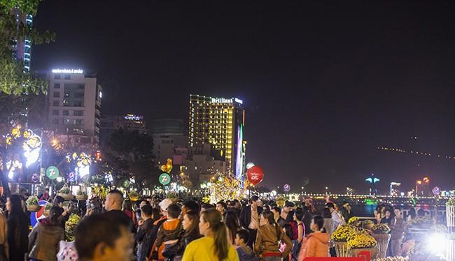 Trong dịp Tết Nguyên đán Đinh Dậu 2017, tổng lượng khách tham quan, du lịch đến Đà Nẵng đạt 260.523 lượt, tăng 17,3% so với cùng kỳ năm 2016.
