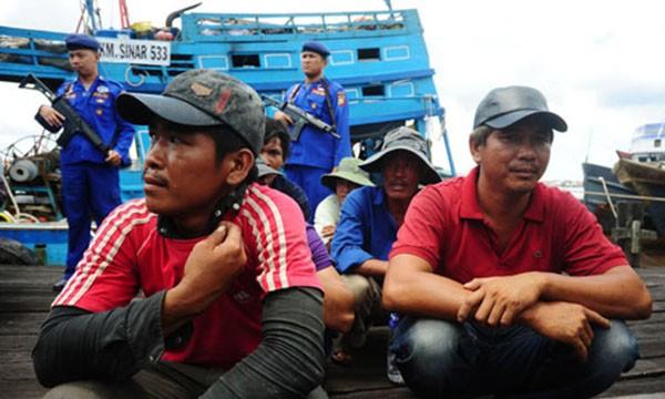 Các ngư dân bị Indonesia bắt giữ (Ảnh: Jakarta Globe)