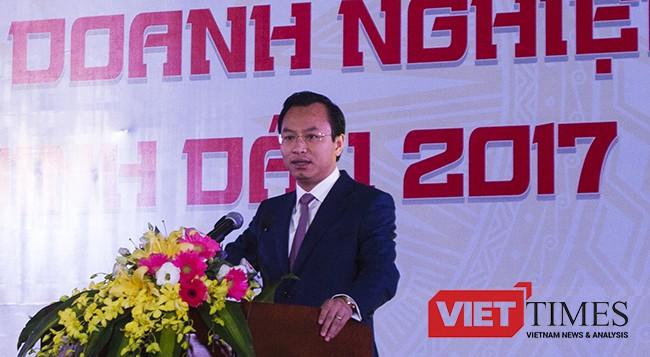 Ông Nguyễn Xuân Anh, Bí thư Thành ủy Đà Nẵng phát biểu tại Lễ tôn vinh những doanh nghiệp tiêu biểu, xuất sắc nhân kỷ niệm 20 Đà Nẵng trực thuộc Trung ương vừa diễn ra chiều 10/2.