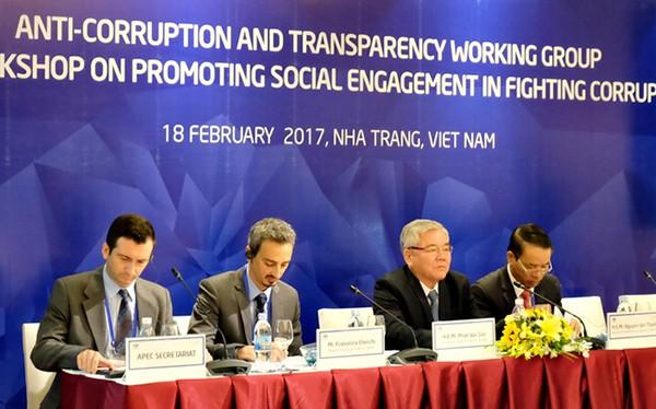Sáng 18/2, phiên khai mạc phiên họp Nhóm công tác về Chống tham nhũng và Hội thảo thúc đẩy sự cam kết trong chống tham nhũng của APEC 2017 diễn ra tại Nha Trang với sự tham dự của các chuyên gia đến từ 21 nền kinh tế thành viên (ảnh Dân Trí)