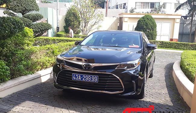Chiếc xe mang BKS 43A-299.99 phục vụ công việc cho Bí thư Thành ủy Đà Nẵng Nguyễn Xuân Anh có giá theo hóa đơn là hơn 1,3 tỷ
