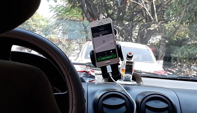 """Đà Nẵng tiếp tục """"mạnh tay"""" với Grabcar, Uber"""