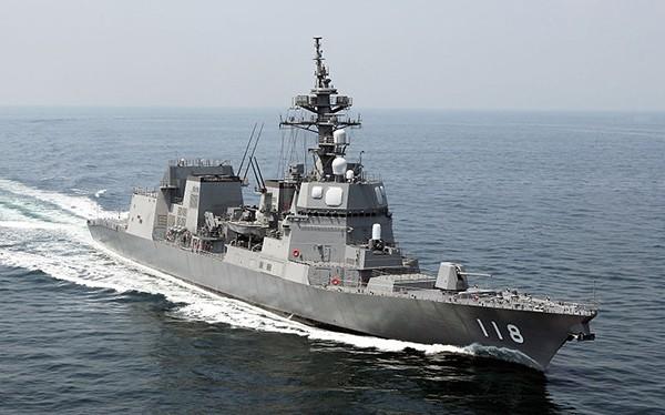 Sáng 11/4, tàu hộ vệ Fuyuzuki (DD 118) của Lực lượng Tự vệ trên biển Nhật Bản cùng thủy thủ đoàn đã cập Cảng quốc tế Cam Ranh (Khánh Hòa), chính thức chuyến thăm hữu nghị Việt Nam trong 5 ngày.