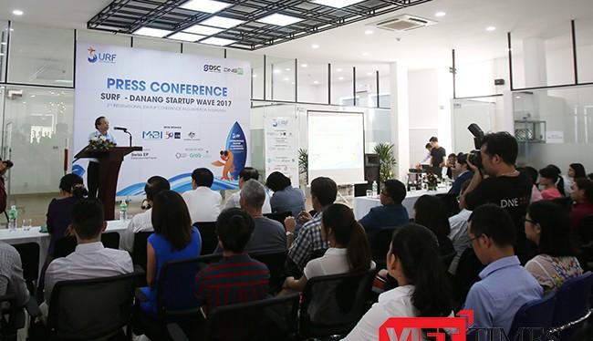 Họp báo thông tin về sự kiện Hội nghị và Triển lãm khởi nghiệp Đà Nẵng 2017.