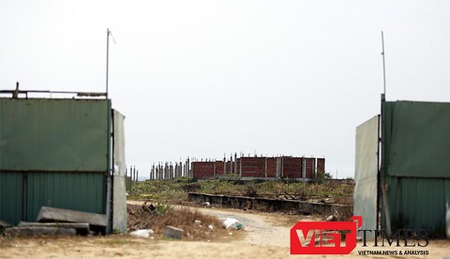 """Hết thời gian gia hạn, Đà Nẵng sẽ xem xét thu hồi các dự án treo, chưa triển khai ven biển (một dự án """"siêu treo"""" án ngữ ven biển Đà Nẵng)"""