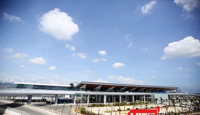Chiều 19/5, Nhà ga quốc tế T2-Sân bay Đà Nẵng chính thức khánh thành và đưa vào khai thác sau thời gian vận hành thử nghiệm.