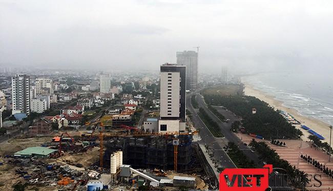 """Thị trường đất nền Đà Nẵng sau cú """"lên cơn"""" thì đột ngột """"đột quỵ"""" khiến cả giới môi giới lẫn đầu lo lắng và liệu sự kiện pháo hoa quốc tế và APEC có giúp giá đất nền ở Đà Nẵng trụ lại."""