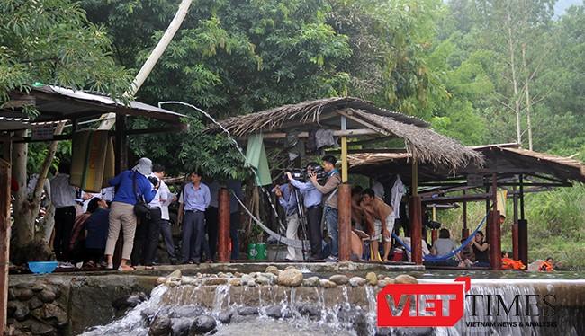 Một góc khu du lịch tự phát tại chân núi Hải Vân (Đà Nẵng)