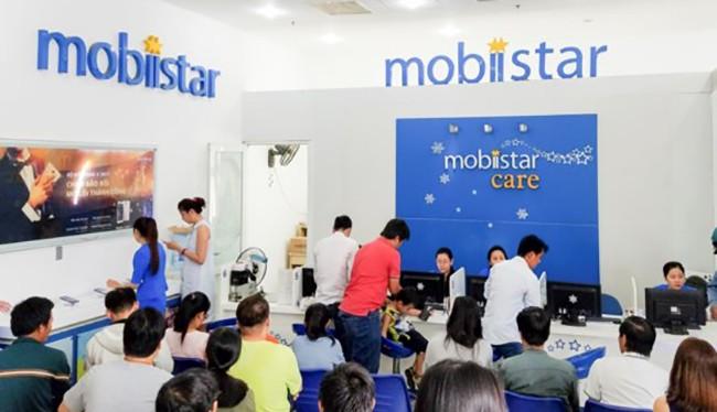 Mobiistar Zumbo J2 nhộn nhịp trong ngày đầu mở bán