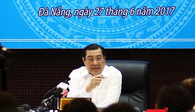 Theo ông Huỳnh Đức Thơ, Chủ tịch UBND TP Đà Nẵng, việc nợ tiền đối với dự án Nút giao thông Ngã Ba Huế, không phải khoản nợ của Đà Nẵng và không có trách nhiệm thanh toán bởi chủ đầu tư dự án này là Bộ GTVT.