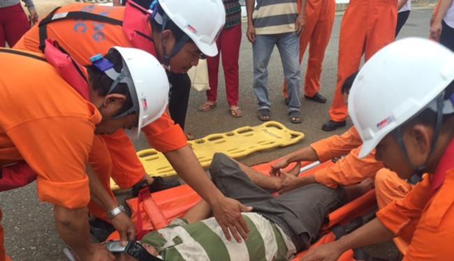 Trung tâm phối hợp tìm kiếm cứu nạn hàng hải khu vực II (Trung tâm II) tại Đà Nẵng vừa điều tàu cứu hộ SAR274 ra khơi và cứu nạn thành công ngư dân bị nạn ở Hoàng Sa về bờ.