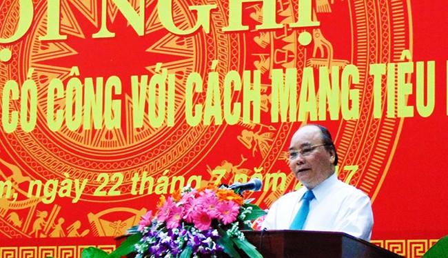 Thủ tướng Chính phủ Nguyễn Xuân Phúc phát biểu tại Hội nghị biểu dương người có công với cách mạng tiêu biểu năm 2017 nhân kỷ niệm 70 năm ngày Thương binh liệt sỹ do UBND tỉnh Quảng Nam vừa tổ chức.