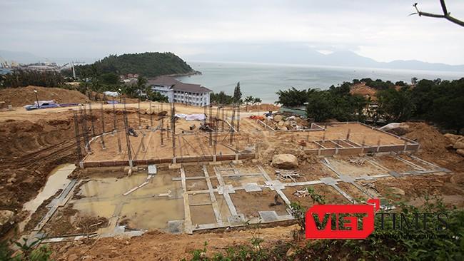 Móng các biệt thự xây dựng trái phép tại Dự án Khu du lịch Biển Tiên Sa tại bán đảo Sơn Trà