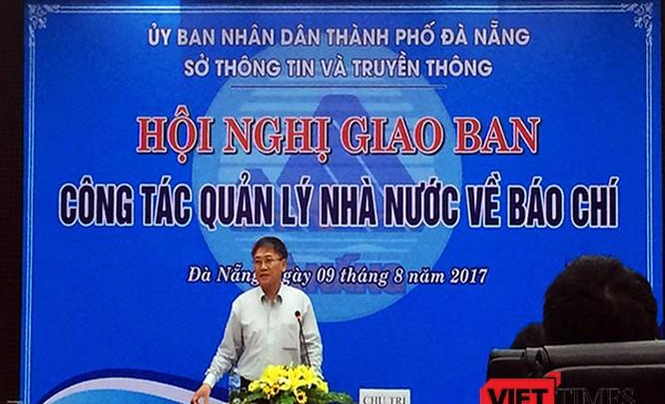 Ông Nguyễn Quang Thanh, Giám đốc Sở TT-TT TP Đà Nẵng cảnh báo tình trạng hoạt động của các trang thông tin tổng hợp tại Hội nghị
