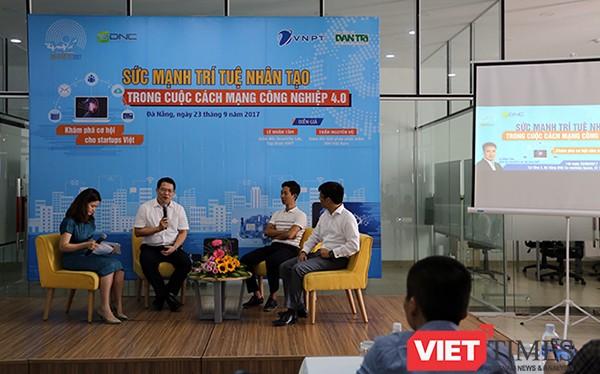 """Chiều 23/9, Ban tổ chức Giải thưởng Nhân tài Đất Việt 2017 đã tổ chức Workshop giao lưu với cộng đồng Starup tại Đà Nẵng với chủ đề """"Sức mạnh trí tuệ nhân tạo trong cuộc cách mạng công nghiệp 4.0""""."""