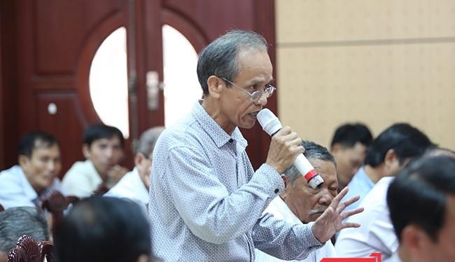 Cử tri quận Cẩm Lệ (Đà Nẵng) phát biểu ý kiến liên quan đến những vi phạm của lãnh đạo Đà Nẵng trong thời gian qua
