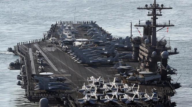 Tàu sân bay Hải quân Mỹ-USS Carl Vinson (CVN-70). ảnh US.Navy