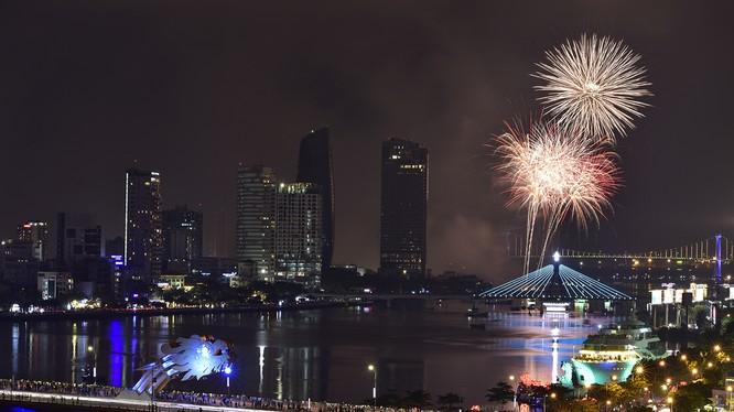 Các khách sạn từ 3-5 sao dọc hai bờ sông Hàn và ven biển Đà Nẵng đạt công suất phòng từ 90-100% trong dịp lễ 30/4-1/5.