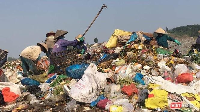 Bãi rác Khánh Sơn sử dụng công nghệ cũ đang ngày ô nhiễm và quá tải