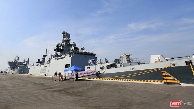 Chiến hạm INS Sahyadri (F-49) tại Cảng Tiên Sa, Đà Nẵng
