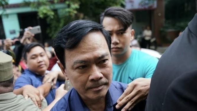 """Bị can Nguyễn Hữu Linh trong phiên tòa xét xử tội """"Dâm ô đối với người dưới 16 tuổi"""" tại TAND quận 4 (TP HCM)"""
