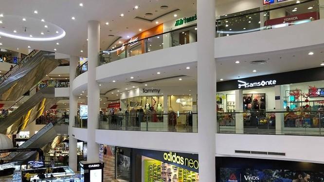 Một góc trung tâm thương mại ở Đà Nẵng