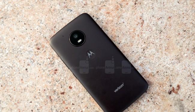 Smartphone giá rẻ Motorola Moto E4