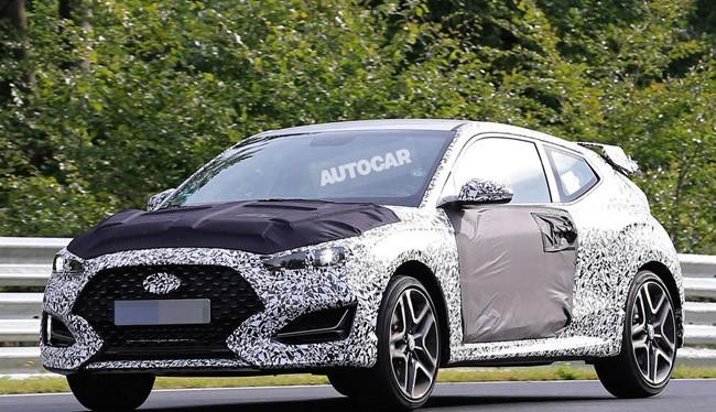 Hyundai Veloster N (ảnh AutoCar)