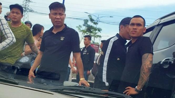 Nhóm giang hồ vây xe vì xô xát sau bữa nhậu ở Đồng Nai.